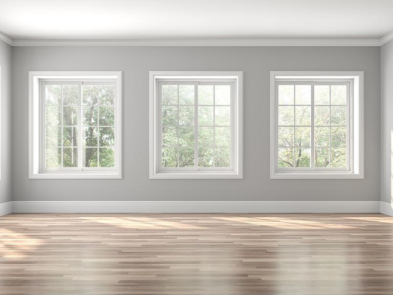 Okna wbiałym pokoju